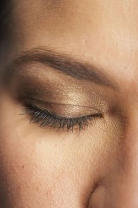 how to get rid of wrinkles under eyes 199x300 How To Get Rid Of Wrinkles Under Eyes (its easier than you think)